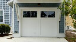 Barevná úprava garážových vrat