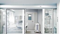 Automatické dveřní systémy GEZE pro oblast zdravotnictví