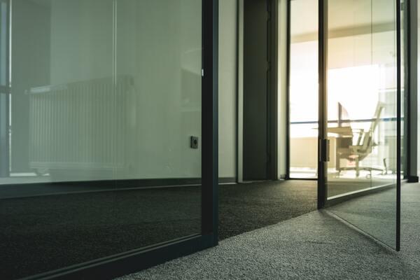 Moderní trendy v interiérových dveřích