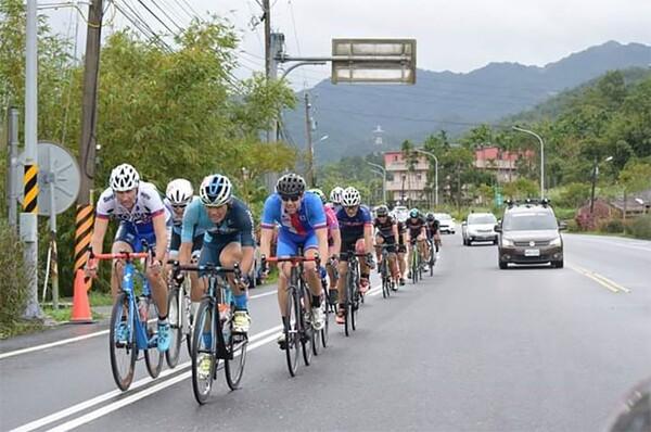 Tour de Formosa - cyklistika a V OKNO