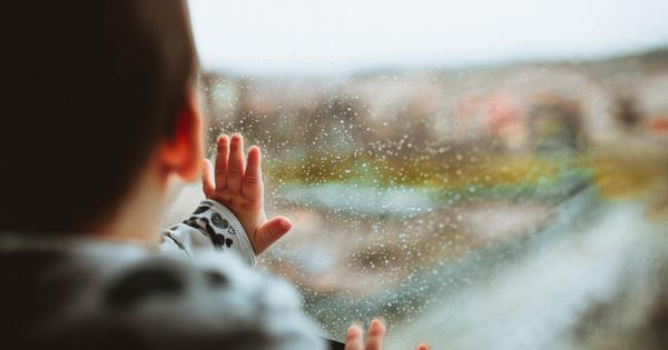 Jak zabránit kondenzaci vody na oknech a dveřích?
