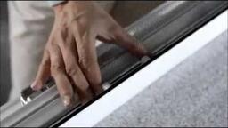 rolovací okenní sítě detail