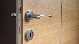 Jak vybrat bezpečnostní vchodové dveře do bytu a domu?