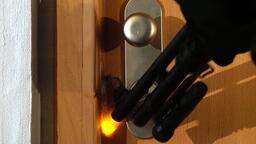 Bezpečnostní dveře NEXT - testuje URNA