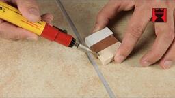 Kerami-Fill für Löcher und Abplatzungen in Wand- und Bodenfliesen