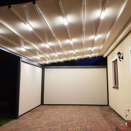 Pergola Eva s integrovaným osvětlením a bočními clonami. ⠀ více na www.atypy.cz nebo +420 774 66 33 22⠀
