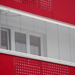 Bezrámový zasklívací systém pro lodžie domů