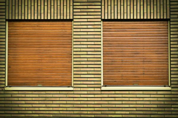 window-1491700_1920