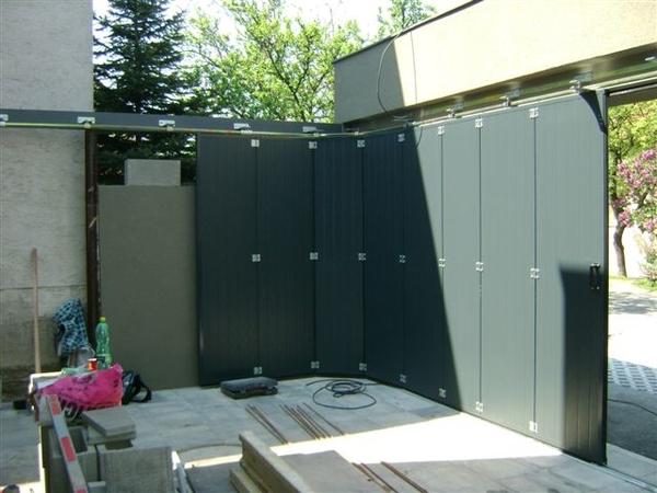 Instalace garážových vrat LOMAX zabere méně než 4 hodiny