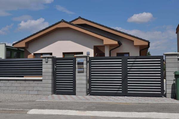 Hliníkové, plastové a WPC ploty