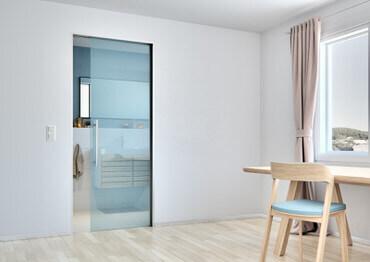 Skleněné dveře Sapglass od firmy Sapeli
