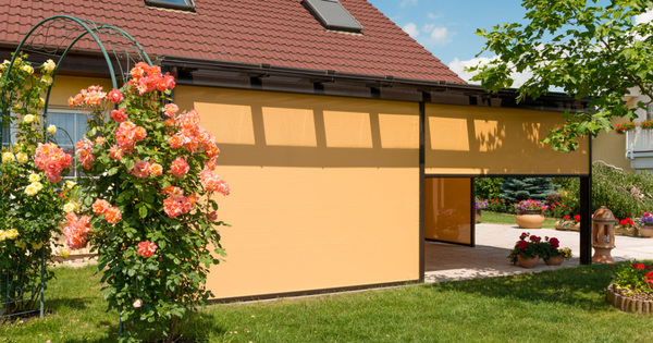 Zastínění balkonu či pergoly je funkční i elegantní doplněk vašeho domova