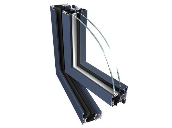 Tříkomorové hliníkové okno PONZIO PE 68